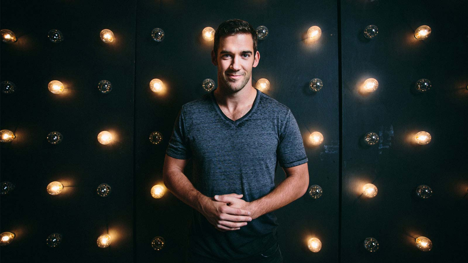 start a profitable online business with lewis howes