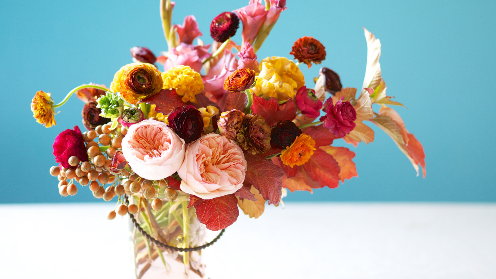 Create Meaningful Wedding Flower Centerpieces And Bouquets